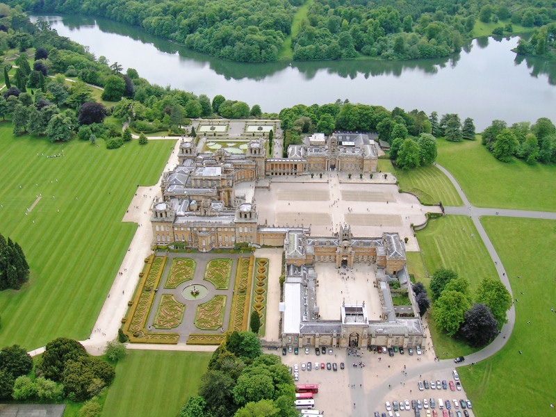 A view of Blenheim Palace